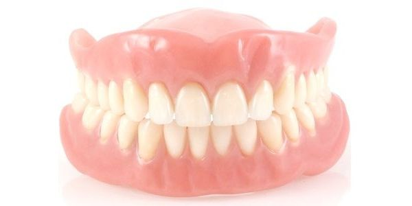 Полное протезирование зубов: основные виды